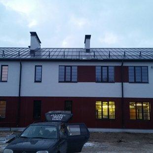 Dūmvada cepures uzstādīšana, dūmvada pieslēguma izveide un jumta trepes montāža