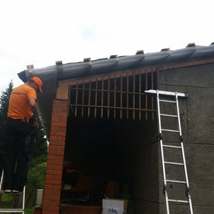 ventilējamas vēja kastes karkassa un sieta stiprināšana
